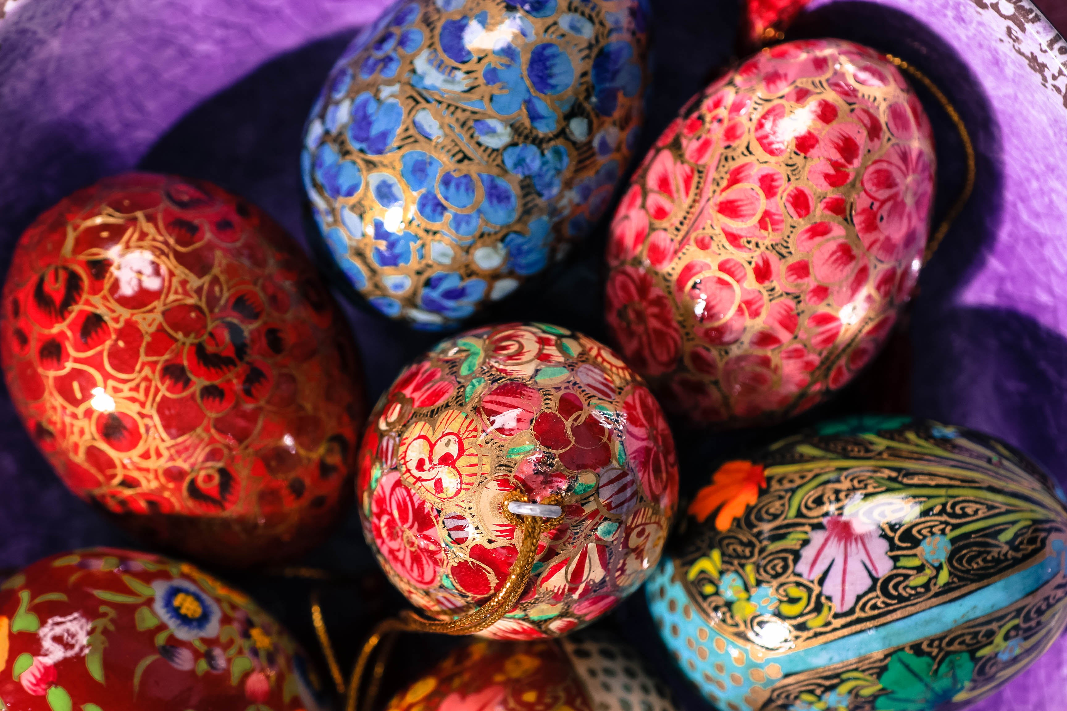 Colour your Easter with Kashmiri Eggs