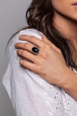 Black Onyx Oval Silver Ring