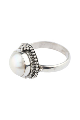 Raised Freshwater Pearl Silver Ring