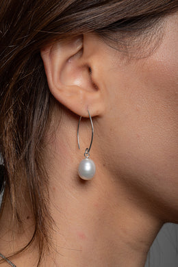 Structured Thread Freshwater Pearl Silver Earrings