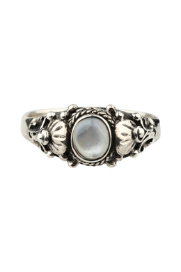 Fine Mother of Pearl Ornate Waterlily Silver Ring