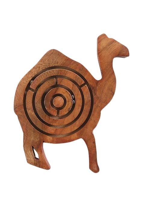 Camel Labyrinth Game