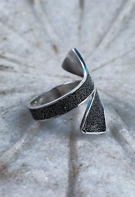 Dot Oxidised Wrap Ring