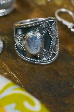 Oval Spiral Rainbow Moonstone Silver Ring