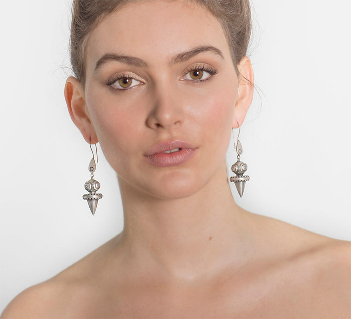 TAWN (YOUTH) EARRINGS