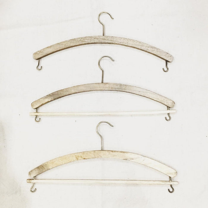 Mango Wood Clothes Hanger - set of 4