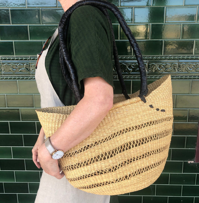 Market Shopper with Long Handle