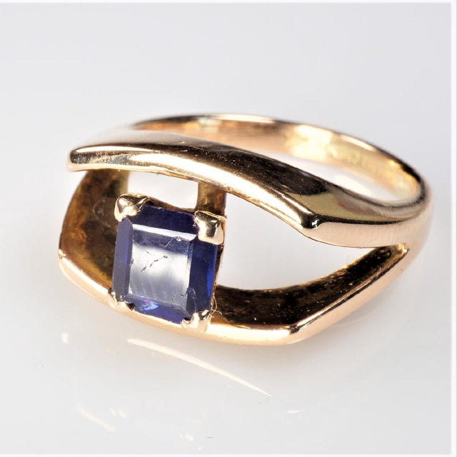 14k Rose Gold Sapphire Ring Size 5.