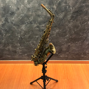 Chateau Alto Saxophone Model VCH-221BS Brushed Gold finish