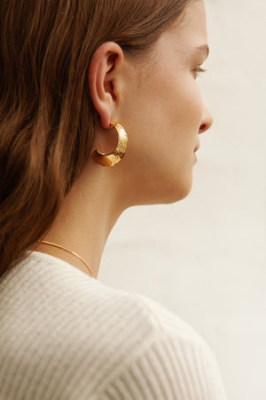Crescendo Earrings in Gold