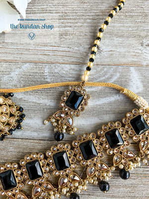 Valiant in Black Necklace Sets THE KUNDAN SHOP