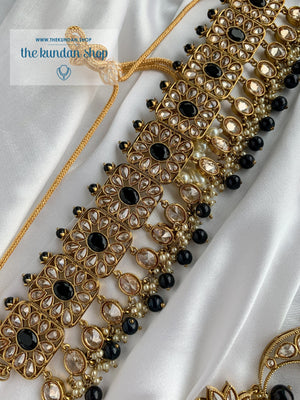 Expectations in Black Necklace Sets THE KUNDAN SHOP