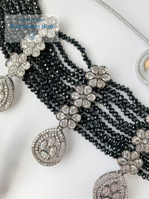 Posh in Black Necklace Sets THE KUNDAN SHOP