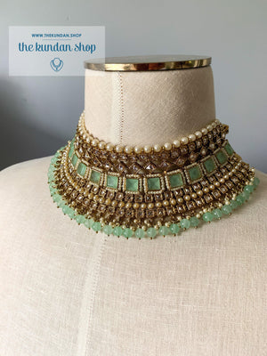 Luring in Mint Necklace Sets THE KUNDAN SHOP