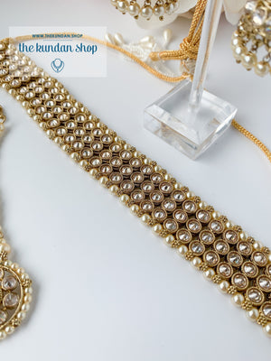 Graceful in Champagne Necklace Sets THE KUNDAN SHOP