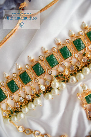 Royal Castle in Emerald Necklace Sets THE KUNDAN SHOP