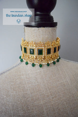 Regality in Emerald Necklace Sets THE KUNDAN SHOP