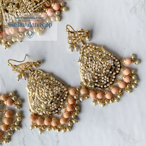Gleaming in Pearls - Peach Jadau Set Necklace Sets THE KUNDAN SHOP