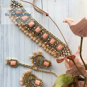 Troublemaker - Peach Necklace Set THE KUNDAN SHOP