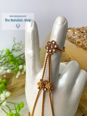 Flower Fingers Haathphool, Ring - THE KUNDAN SHOP