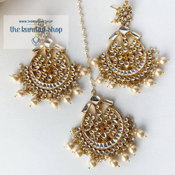 Leader - Pearl Earrings + Tikka THE KUNDAN SHOP