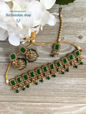 Valiant in Green Necklace Sets THE KUNDAN SHOP