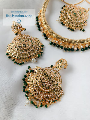 Traditional Hasli in Green Necklace Sets THE KUNDAN SHOP