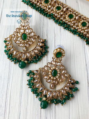 Sparkling in Green Necklace Sets THE KUNDAN SHOP