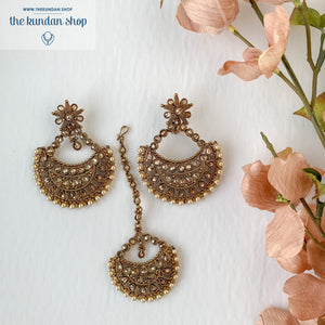 Hanging on a Polki, Earring + Tikka - THE KUNDAN SHOP