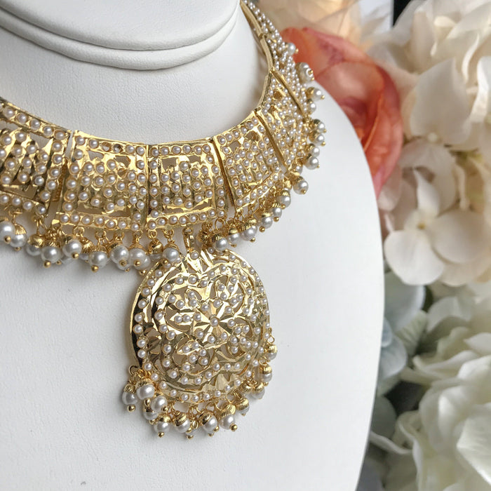 A Hint Of Gold, Jadau - THE KUNDAN SHOP