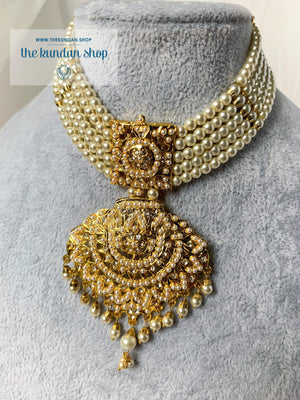 Impeccable Choker in Pearl Necklace Sets THE KUNDAN SHOP