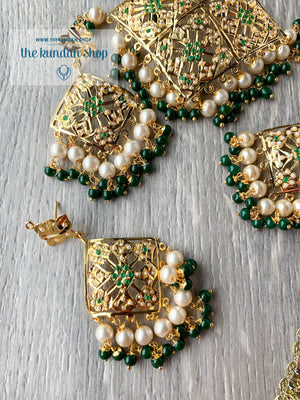 Mesmerized Choker in Green Necklace Sets THE KUNDAN SHOP