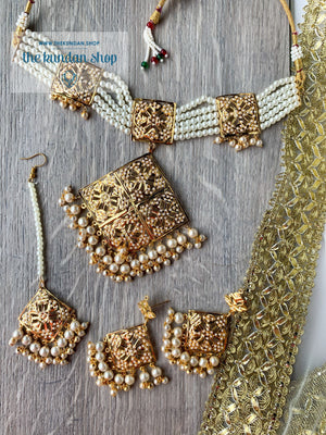 Mesmerized Choker in Pearl Necklace Sets THE KUNDAN SHOP