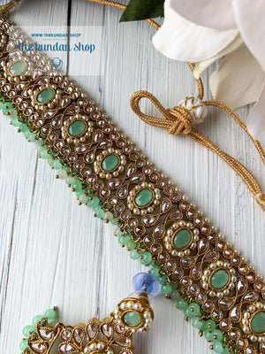 Sparkling in Light Green Necklace Sets THE KUNDAN SHOP