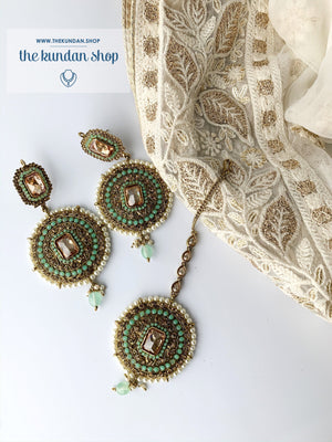 Sister of the Bride in Mint, Earrings + Tikka - THE KUNDAN SHOP