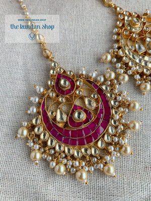 Rivals Tikka Earrings + Tikka THE KUNDAN SHOP Pink