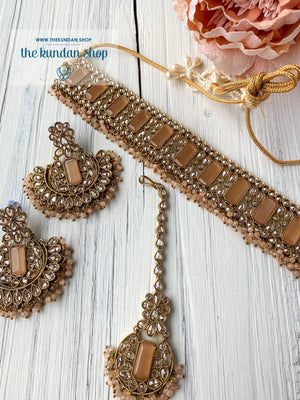 Poised in Peach Necklace Sets THE KUNDAN SHOP