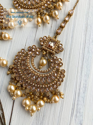 Endearing Polki in Champagne Pearl THE KUNDAN SHOP