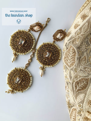 Sister of the Bride in Pearl, Earrings + Tikka - THE KUNDAN SHOP