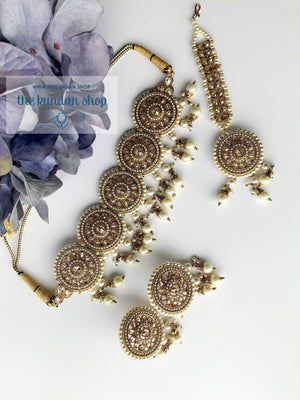 Spirited in Pearl Necklace Sets THE KUNDAN SHOP Pearls Attached