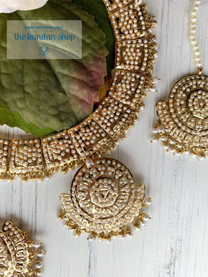 A Subtle Pendant in Pearl, Necklace Sets - THE KUNDAN SHOP