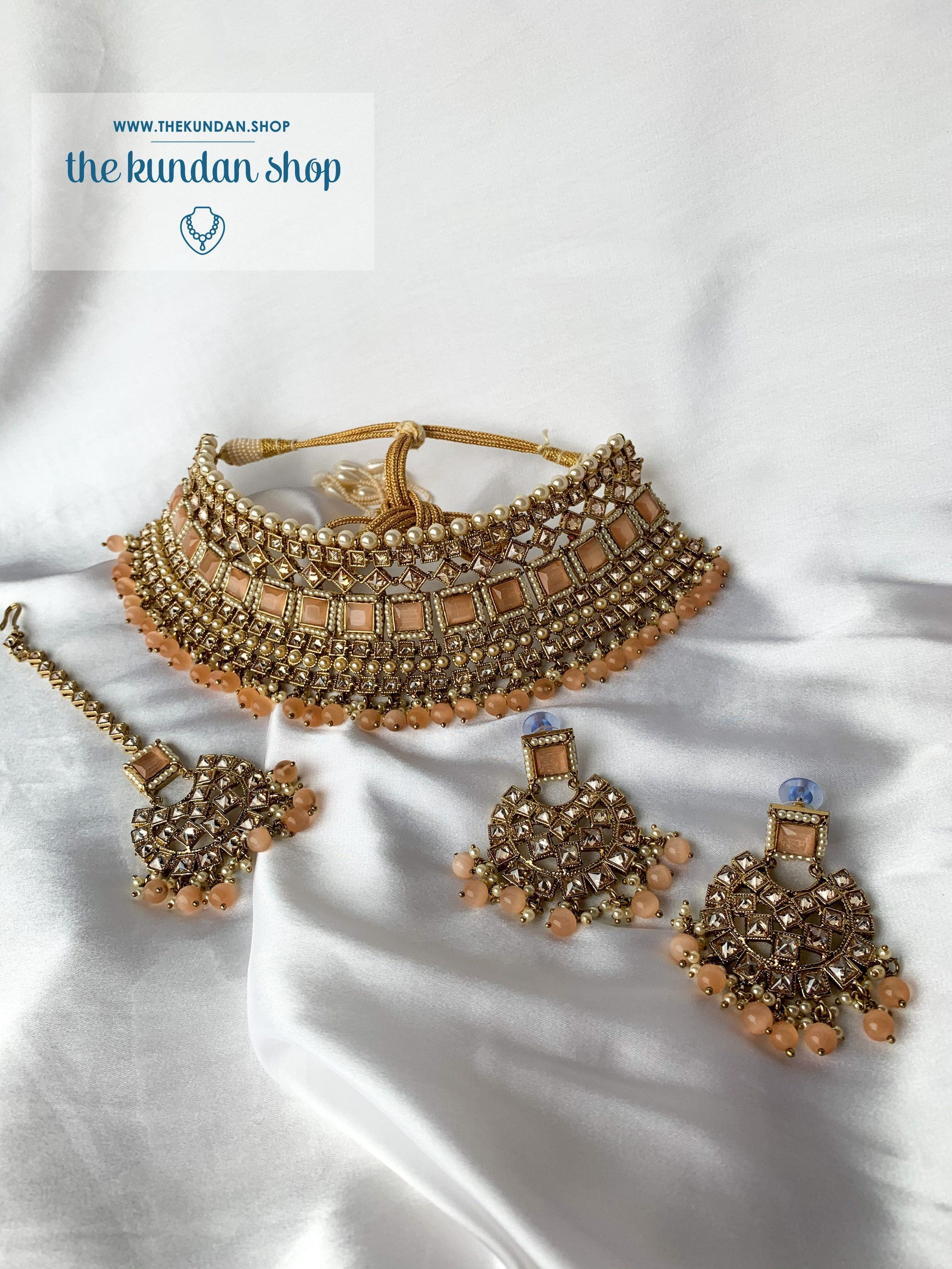 Luring in Peach Necklace Sets THE KUNDAN SHOP