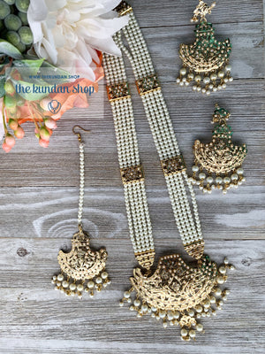 Gold & Pearls Jadau Set