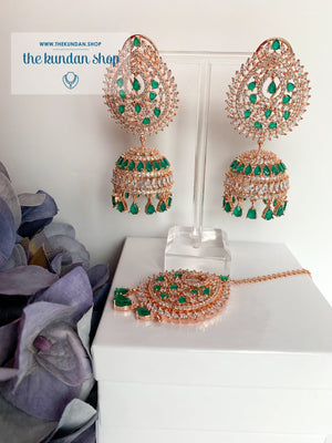 Reigning Queen in Emerald Earrings + Tikka THE KUNDAN SHOP