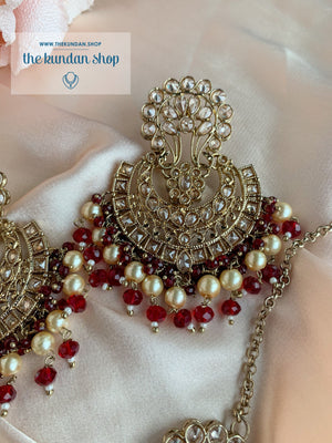 The Ensemble Set in Ruby Earrings + Tikka THE KUNDAN SHOP