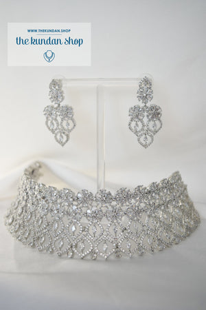Wink in Silver Necklace Sets THE KUNDAN SHOP