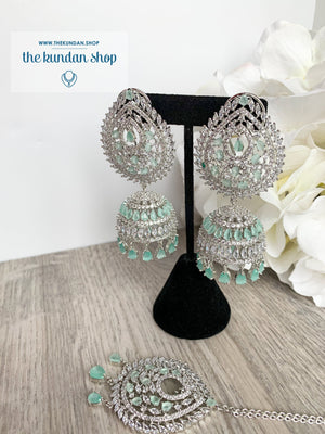 Reigning Queen in Silver + Mint Earrings + Tikka THE KUNDAN SHOP