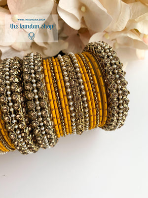 Dotted Bangle Set in Pearl & Yellow Bangles THE KUNDAN SHOP