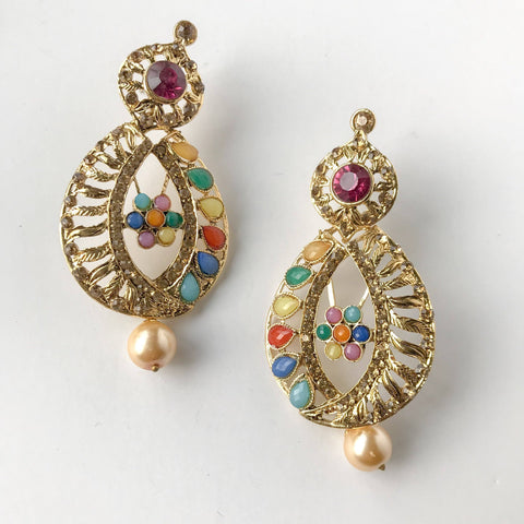 Oval & Colours, Earrings + Tikka - THE KUNDAN SHOP