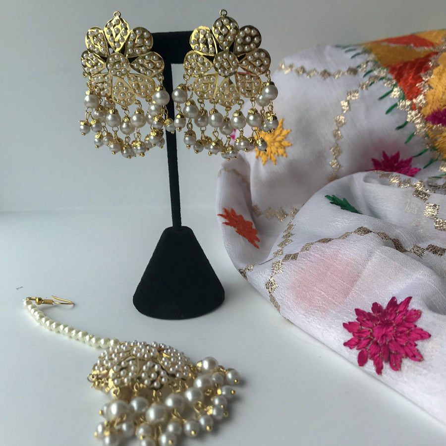 Jadau Studs & Tikka Set (various colours), Earrings + Tikka - THE KUNDAN SHOP